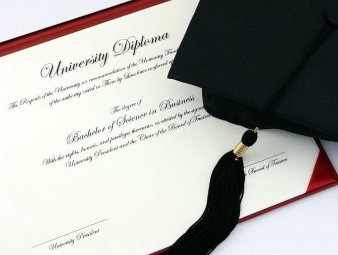 Кому требуется перевод диплома?