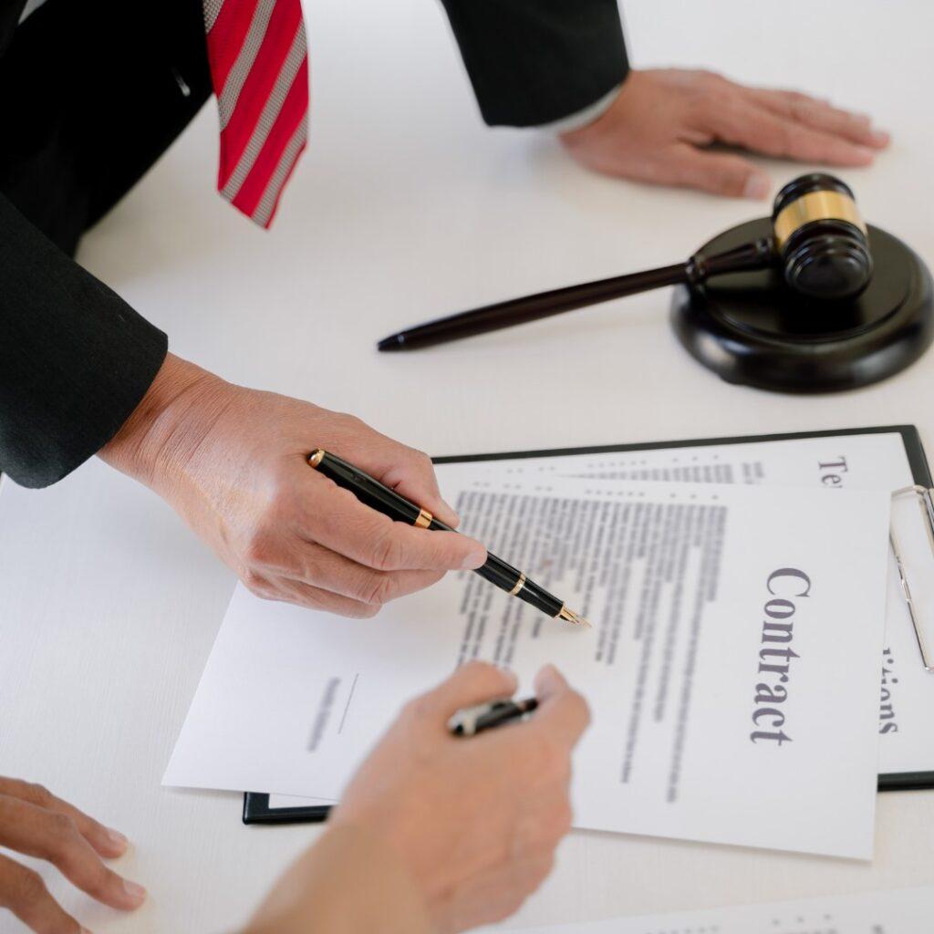 Главное отличие судебного переводчика от нотариуса